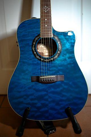 Guitarra electroacustica fender t-bucket 300ce