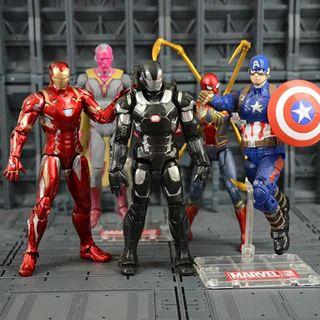 Figuras de acción de los superheroes