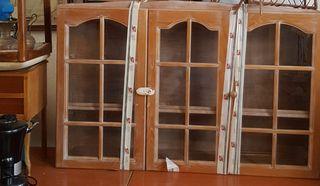 vitrina con cristales de 3 puertas