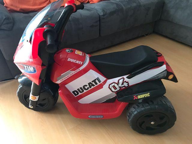 Moto de batería niño