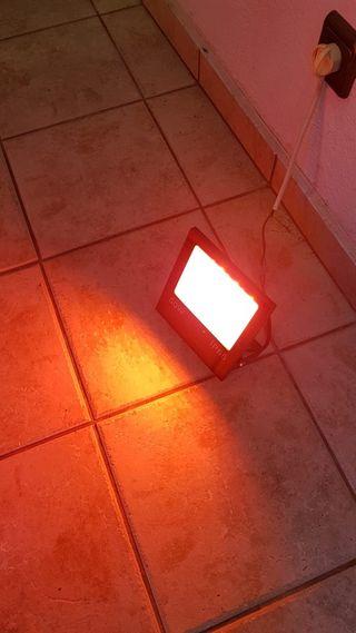 FOCO LED RGB 50W -IP66 CON MANDO