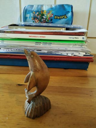 Estatua mini de un Delfin