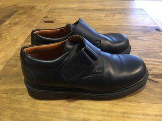 Zapatos de piel color negro niño talla 35