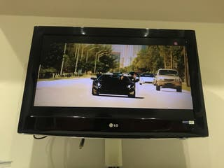 "Television 32"" LG FullHD"