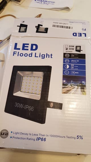 FOCO LED RGB 30W-IP66 CON MANDO A DISTANCIA