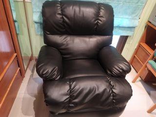 vendo sofa de piel!!!