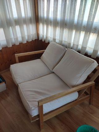 Sofá de madera de Ikea