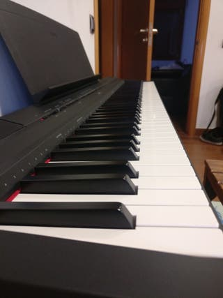 Piano digital Yamaha P-115