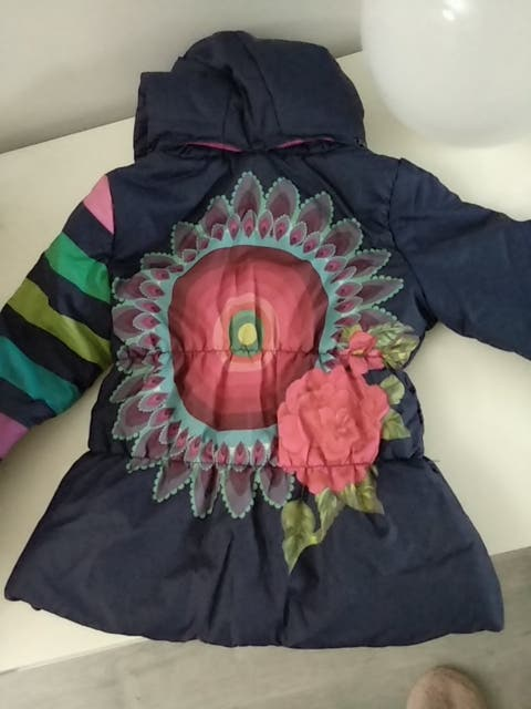 abrigo desigual talla 7-8