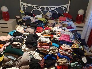 roupas usadas del niñas y de adulto!