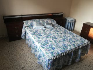 Mobiliario Dormitorio: Cama, armario, mesillas ...