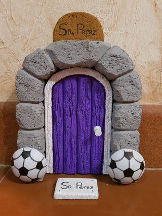 Puerta Ratón Perez Real Madrid. Para rodapie