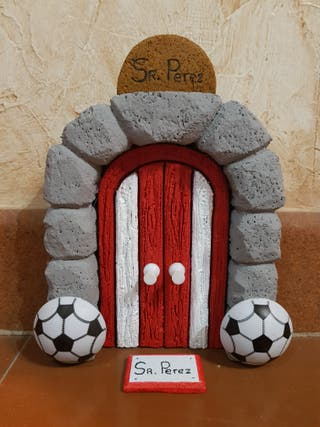 Puerta Ratón Perez Atletico Madrid. Para rodapie