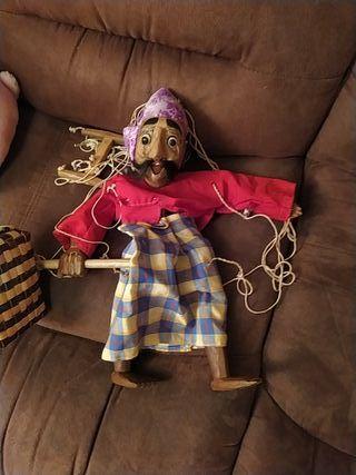 Marioneta de madera artesana