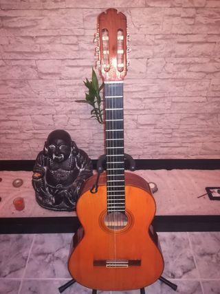 Guitarra antigua.