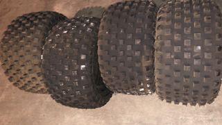 Se venden ruedas nuevas de quad o buggy