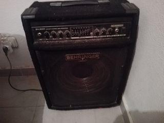 Vendo Amplificador de Bajo BXL3000A seminuevo