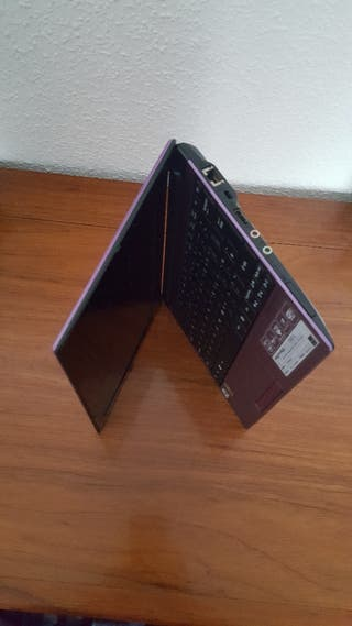 PC Acer aspire one D260