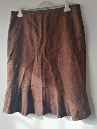 Falda marrón. T44
