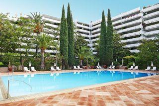 Piso en venta en Playa de la Fontanilla en Marbella