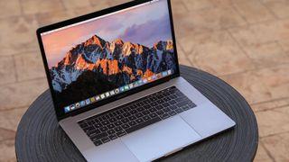 Macbook pro retina touch bar 15 pulgadas 2016