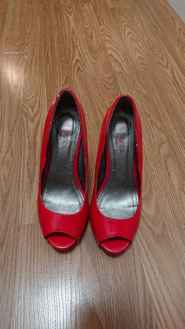 Zapatos de tacon alto rojos, talla 38, en buen est
