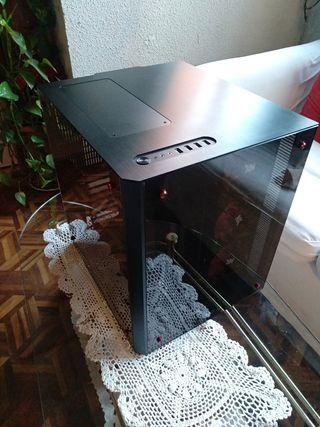 Caja Lian Li PC-o8WX