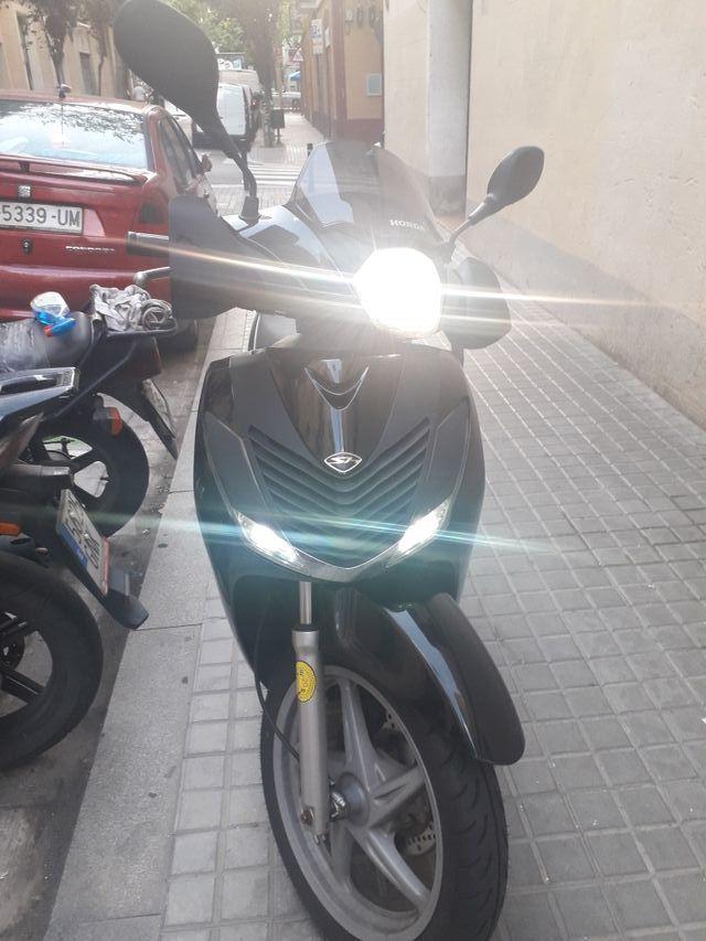 vendo Honda Sh 125i finales 2010