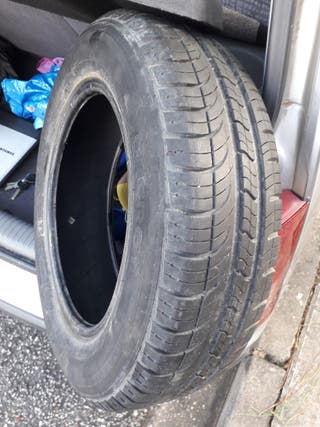 neumático trasero michelin coche hyundai Atos