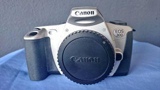 Cámara de fotos analógica Canon Eos 300.