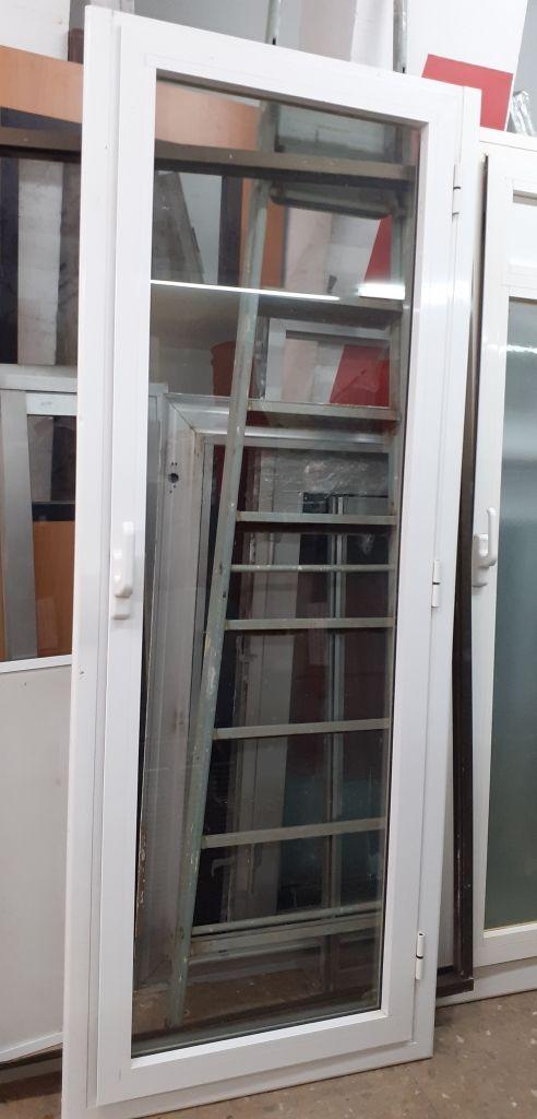 Puerta de cristal marco aluminio