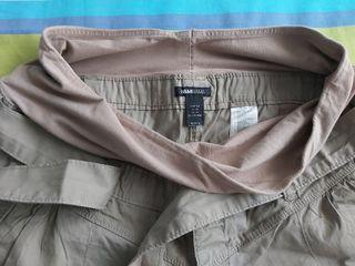 Pantalón corto premamá.