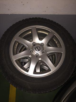 """Llantas aluminio Volvo 16"""" disponible rueda clavos"""