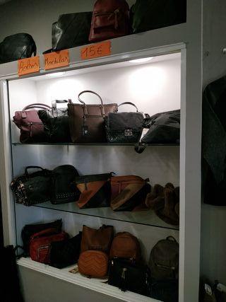 lote bolsos tienda ,24 unidades.
