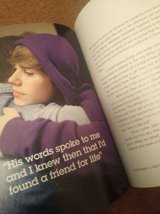 Libro Biografía Oficial Justin Bieber en Inglés
