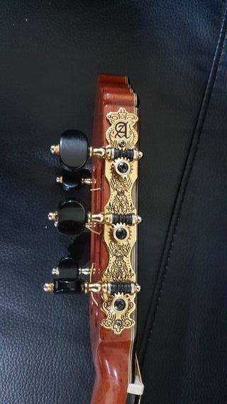 guitarra Alhambra 11P