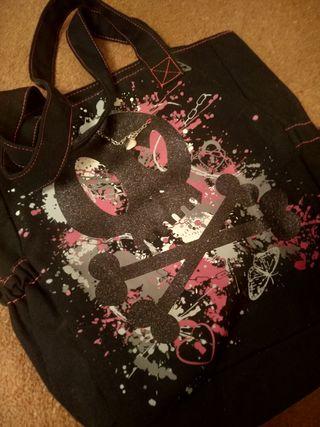 Bolso de tela con dibujos estilo emo