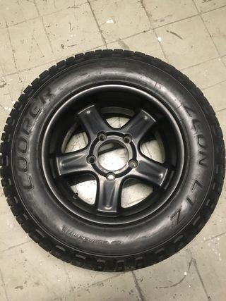 Neumáticos completos