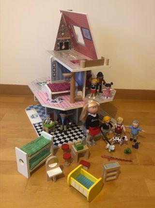 Casa de Amanda, mobiliario, personajes + regalo