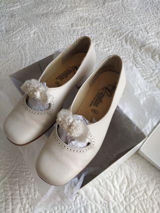Zapatos num 34