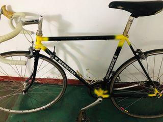 Bicicleta clásica de carretera Marotias