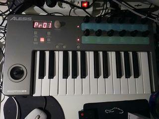 teclado MIDI Alesis photon25