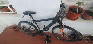 Vendo bicicleta,bomba de pie y casco