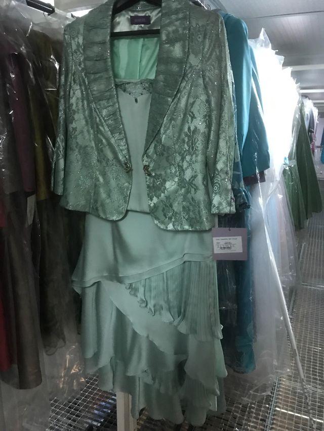 Liquidación Lote de ropa fiesta y trajes