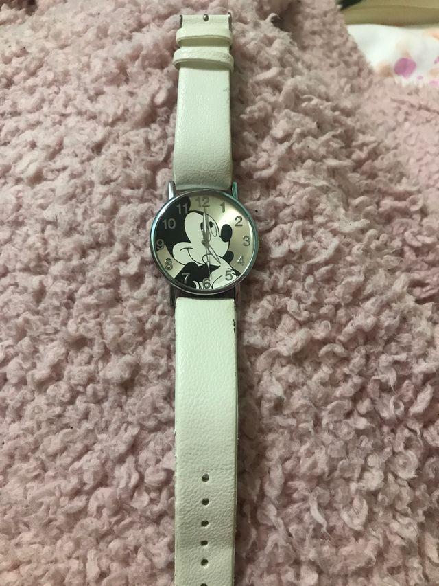 Reloj blanco Mickey Mouse