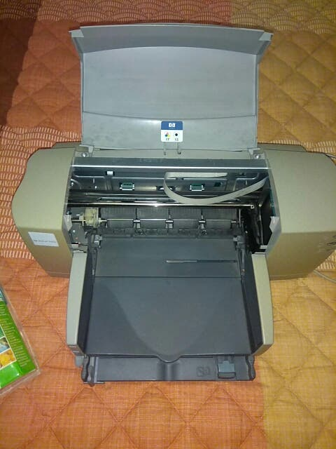 Impresora Hp + cartucho tinta