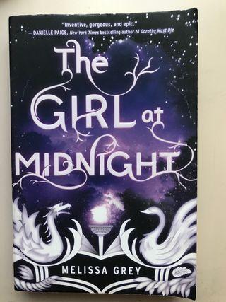 Libro juvenil Inglés - The girl at midnight