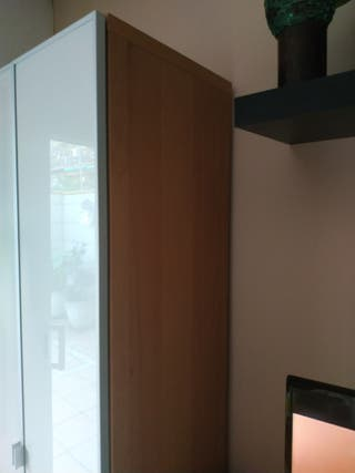 armario almacenaje madera puertas cristal