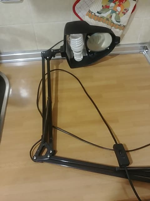 Lapara flexo con lupa. flexo mesa