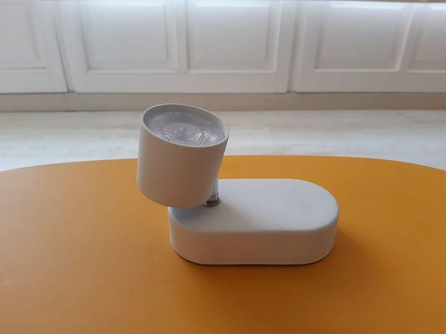 Lampara LED 4 W Philips, 1 foco móvil